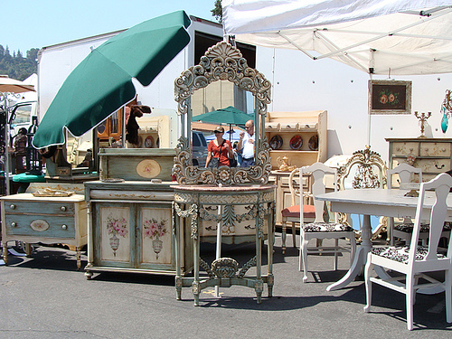 There Are Tons Of Vendors From Vintage Clothes To Mid Century Furniture.
