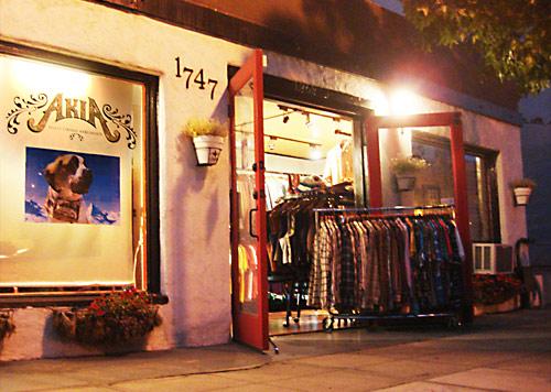 Akia Vintage San Diego