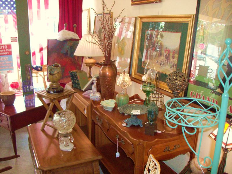 STUFF Furniture Consignment Shop 003