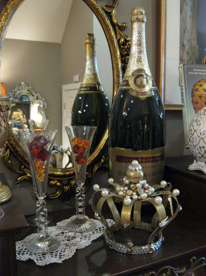 Huge_Champagne_Bottle
