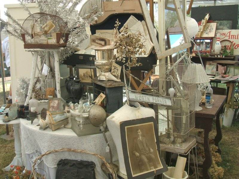 Antiques_on_Monterey