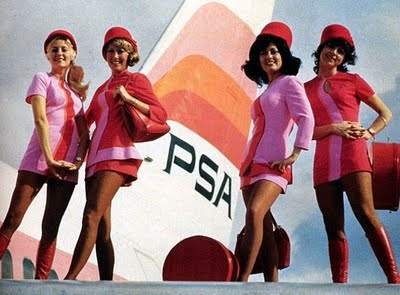 Flight_attendants_Braniff_Pucci