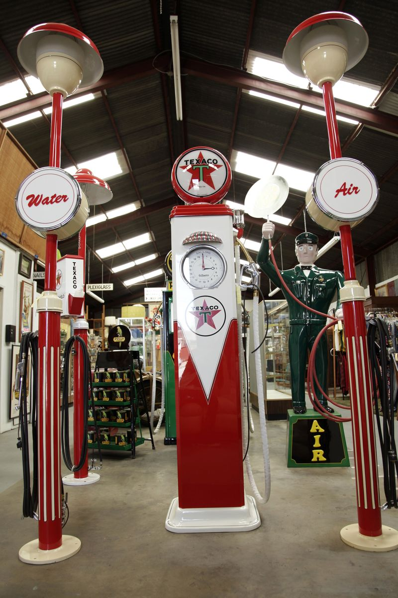 Vintage_gaspump_texaco