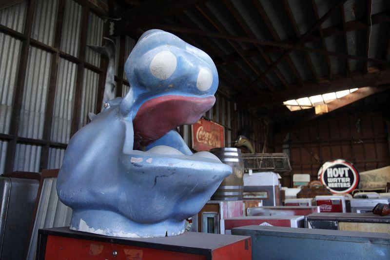 Amusement_park_hippo