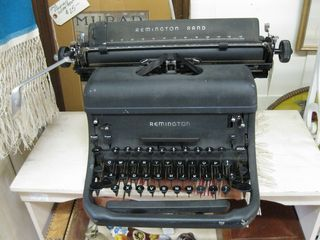 Old_barn_typewriter