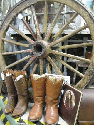 Old_barn_cowboy_boots