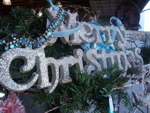 Merry_christmas_urban_barn